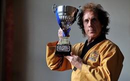 Gần 70 tuổi, cựu danh thủ Premier League vẫn lên ngôi vô địch Taekwondo châu Âu