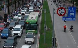 Sau 2 năm vận hành xe buýt nhanh BRT Hà Nội: Giá quá đắt cho một thử nghiệm thất bại