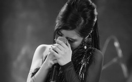 Hương Tràm đổ bệnh, phải tiêm kháng sinh để hát và bật khóc trong show diễn cuối cùng