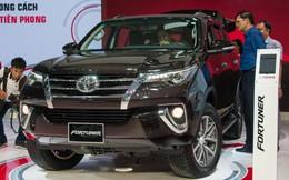 Khốc liệt thị trường ô tô trong nước: Bất ngờ với Toyota Fortuner