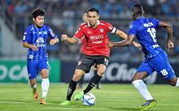 """HLV Thái Lan tiết lộ lý do """"cự tuyệt"""" đề nghị kì lạ từ đội bóng của Văn Lâm"""