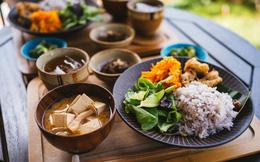 Nguyên tắc chỉ ăn no 80% của dân vùng sống thọ nhất Nhật Bản: Dễ áp dụng lại rất tốt