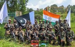 """Nga - Mỹ """"chơi cờ"""" trên lưng Ấn Độ - Pakistan: Nghèo đói vẫn phải mua thêm vũ khí"""