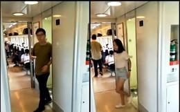 Cần sử dụng nhà vệ sinh trên xe lửa nhưng chờ quá lâu, đến khi cánh cửa mở ra người đàn ông phát hiện cảnh tượng đáng xấu hổ
