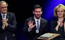 Messi rửa sạch mảng quá khứ ô nhục bằng cây Thập tự Thánh Jordi