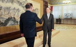 """Sau gần nửa năm mới xuất ngoại, """"cánh tay phải"""" của ông Tập cho thấy ảnh hưởng lớn thế nào đến ngoại giao TQ?"""