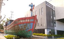 Trưng bày tàu cá bị tàu Trung Quốc đâm chìm ở Hoàng Sa