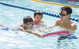 MC Quang Bảo bơi 100km để gây quỹ từ thiện