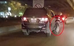 Tài xế xe ôm bị xe biển xanh đâm bỏ chạy sức khoẻ suy kiệt, không thể cử động