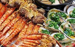 """Nhóm 9 người đi Hạ Long ăn cả mâm hải sản hết 2,5 triệu vẫn kêu đắt, cô gái bị dân mạng """"cho sáng nhất Facebook hôm nay"""""""