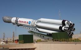 """Mỹ ra """"đòn hiểm"""" với ngành công nghiệp vũ trụ Nga"""