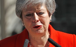 Nước mắt bà May, bi kịch nước Anh: Tránh vỏ dưa rồi lại gặp và trượt vỏ dừa