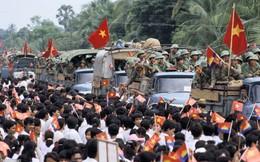 """""""Không có Việt Nam, tôi đã chết"""": Người Campuchia kể khoảnh khắc gặp quân tình nguyện Việt Nam năm 1979"""