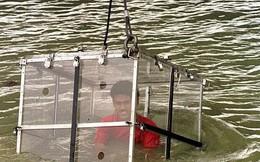 'Pháp sư' mất tích dưới sông khi tự nhốt mình trong cũi thực hiện ảo thuật