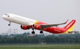 Clip: Khách hàng bức xúc vì tình trạng chậm chuyến của Vietjet Air