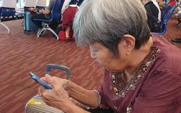 """Để toàn bộ con cháu ở nhà, bà cụ 76 tuổi tự đi du lịch Thái Lan: """"Trẻ khổ quá, già rồi phải đi cho biết"""""""