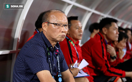 """Khoảng cách """"một trời một vực"""" giữa chế độ cho thầy Park và các HLV ngoại của Việt Nam"""
