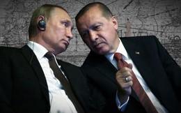 """Nắm trong tay """"quân bài tẩy"""" S-400, Nga vừa """"buộc tay"""" Thổ Nhĩ Kỳ ở Idlib, vừa """"trói chân"""" Iran ở Syria?"""