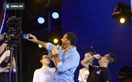 """Cập nhật Rio Ferdinand ở Hà Nội: """"Tôi ấn tượng với tình yêu của các bạn"""""""