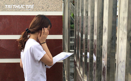 Ngủ quên đến trường thi muộn không được vào phòng, nữ sinh Hà Giang khóc nức nở