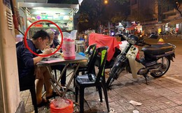 Thanh niên một mình đi ăn hủ tiếu, gặp cụ già bán vé số và hành động ấm lòng ngay sau đó