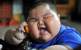 """Sốc: Bé trai 9 tuổi nặng 100kg - hậu quả của cách nuôi con kiểu """"gà công nghiệp"""""""