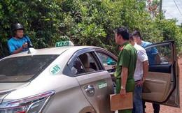 Lái xe taxi ở Tây Nguyên bị cướp kề dao vào cổ vẫn mưu trí thoát thân