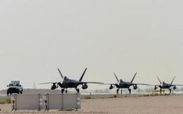 Mỹ dồn dập triển khai tiêm kích tàng hình F-22 áp sát Iran
