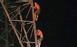 Trăm người hỗ trợ giải cứu 2 anh em mắc kẹt trên cột điện cao thế trong đêm