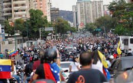 """Nga sẵn sàng cử thêm chuyên gia đến Venezuela-Thông điệp """"cứng"""" tới Mỹ"""
