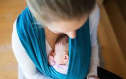 Địu con trai 3 tuần tuổi đi khám bệnh, 10 phút sau con tử vong khiến mẹ cả đời hối hận