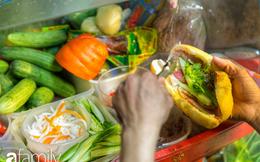 """Giữa phố đi bộ Nguyễn Huệ """"đắt đỏ"""" có một hàng bánh mì chảo lụp xụp giá cực rẻ, cứ càng muộn là càng đông"""