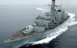 Anh tuyên bố Iran đã điều 3 tàu chiến để chặn tàu hàng Anh