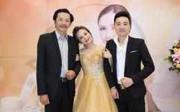 """""""Cô Xuyến"""" phim Về nhà đi con dựa đầu vào vai NSƯT Trung Anh khi đứng cạnh chồng thứ 4"""