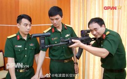 """Báo Trung Quốc quan tâm """"mắt thần"""" trên súng trường Galil ACE Việt Nam"""