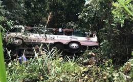 Xe khách lao xuống vực sâu 30m ở Quảng Ninh, 2 người tử vong