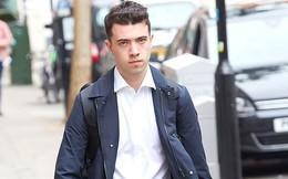 Nhà báo 19 tuổi tiết lộ mật thư khiến Đại sứ Anh từ chức