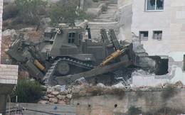Binh sĩ, máy ủi Israel sẵn sàng phá nhà của hàng trăm người Palestine