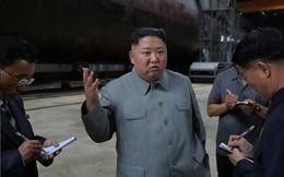 Ông Kim Jong Un thị sát tàu ngầm thế hệ mới của Triều Tiên
