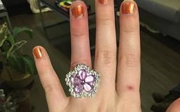 Bán nhà để mua nhẫn đính hôn kim cương cho vợ sắp cưới, người đàn ông bị 'ném đá' thậm tệ