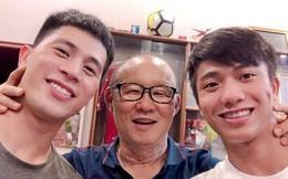 Sau gần 2 năm ở Việt Nam, HLV Park Hang Seo lần thứ 3 đổi mắt kính