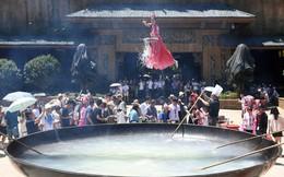 24h qua ảnh: Nghệ sĩ trình diễn trên nồi lẩu khổng lồ ở Trung Quốc