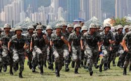 """Hong Kong nóng rẫy: Trung Quốc vẫn """"sôi máu"""", chấp nhận mất mặt để động binh?"""
