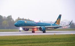 Máy bay của Vietnam Airlines phải hạ cánh khẩn cấp do nữ hành khách vỡ túi ngực phẫu thuật thẩm mỹ