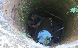 Rơi xuống giếng nước sâu, cụ ông lấy cành cây làm điểm tựa bám trụ suốt 1 ngày