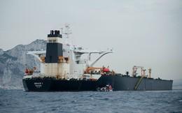 """Vụ bắt tàu chở dầu Iran: Thủy thủ đoàn """"sốc nặng"""" vì lính Anh chĩa súng vào người, bắt quỳ"""