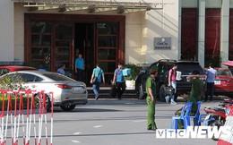 Ảnh: Công an túc trực ngày đêm tại 'sào huyệt' đánh bạc 10.000 tỷ đồng của người Trung Quốc ở Hải Phòng