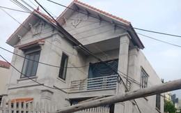 Hà Nội: Bí ẩn căn nhà 2 tầng khang trang xây gần 1 tỷ bị lún sâu 4 mét