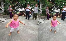 """Bé gái hơn 1 tuổi bị bỏ rơi ở chùa kèm lời nhắn """"em còn phải đi lấy chồng không nuôi được"""""""