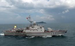 Lữ đoàn 127 kiểm tra bắn đạn thật trên biển